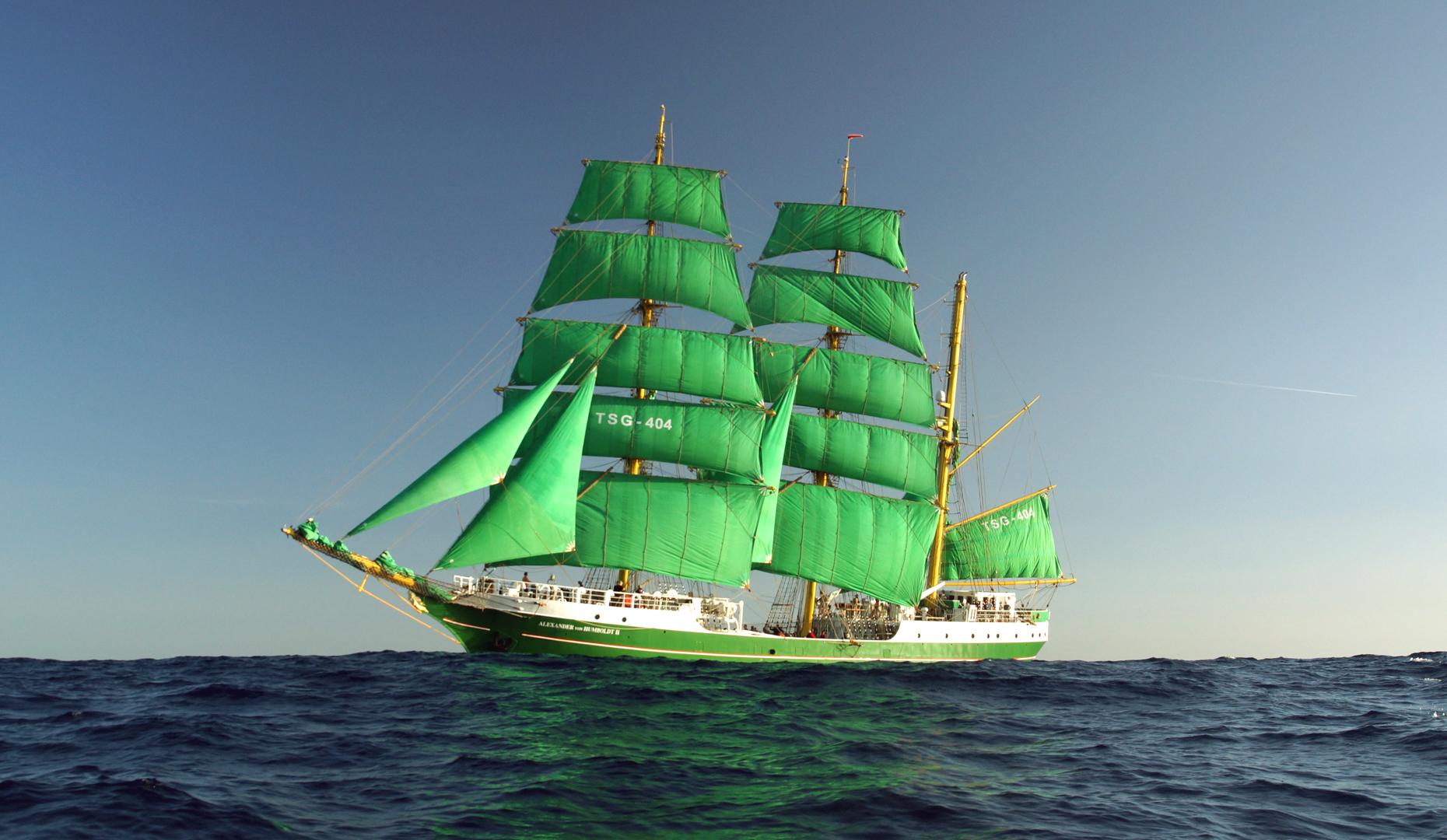 """3 Mast Bark """"Alexander von Humboldt 2"""" auf See"""