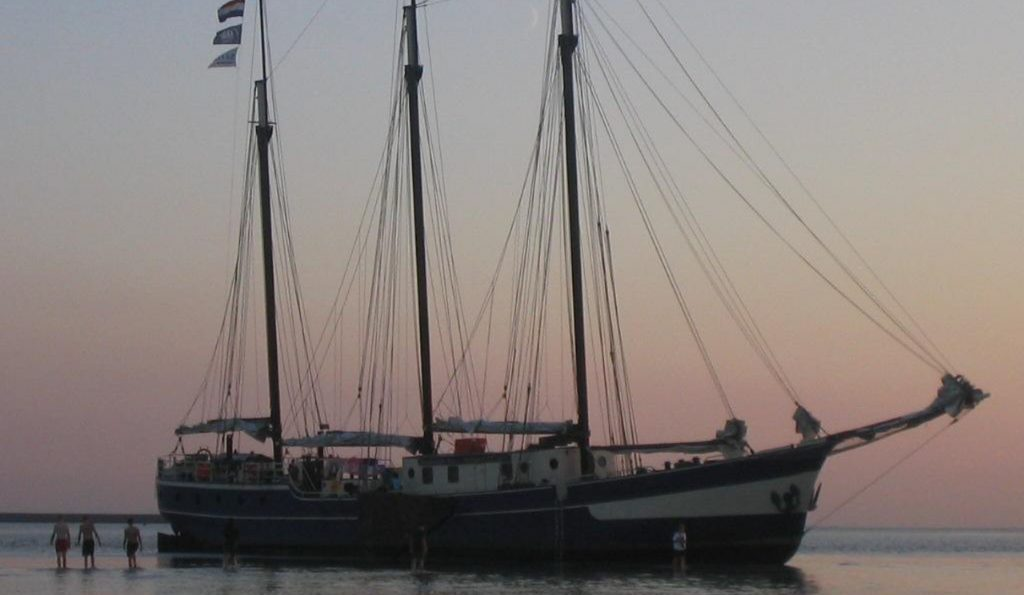 2 Mast Schoner Noorderlicht in Abendstimmung