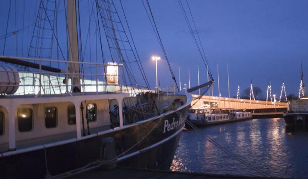 Barkentine Pedro Donker Stimmungsbild im Hafen