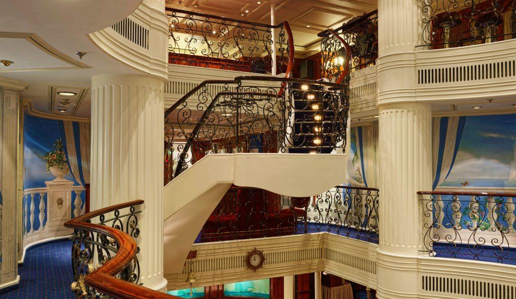 5 Mast Vollschiff Royal Clipper Innenansicht Treppen