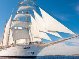 4 Mast Grosssegler Star Clipper Bugansicht unter Segeln