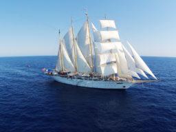 Segelkreuzfahrten STAR FLYER Griechentlang, Montenegro, Kroatien Produktbild zeigt den 4 Mast Großsegler unter vollen Segeln