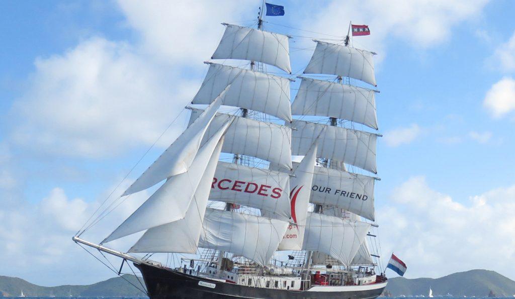 Segelschiff MERCEDES chartern und Segeltörns buchen zeigt die Brigg segelnd