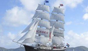 Hanse Sail Rostock Mercedes zeigt die segelnde Brigg