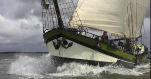 Segelurlaub Europa Wilhelmina Bild zeigt das Segelschiff von vorne