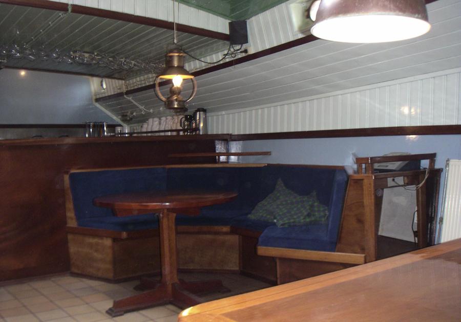 zeigt den Salon des 2 Mast Klippers Ambulant