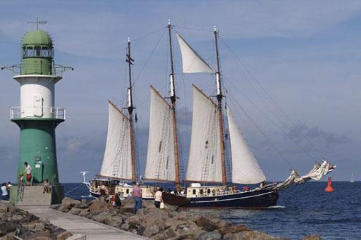 Hafengeburtstag auf der Albert Johannes-1