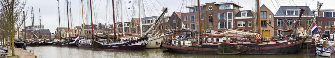 Segelrevier Ijsselmeer Bild zeigt Traditionsschiffe in Harlingen