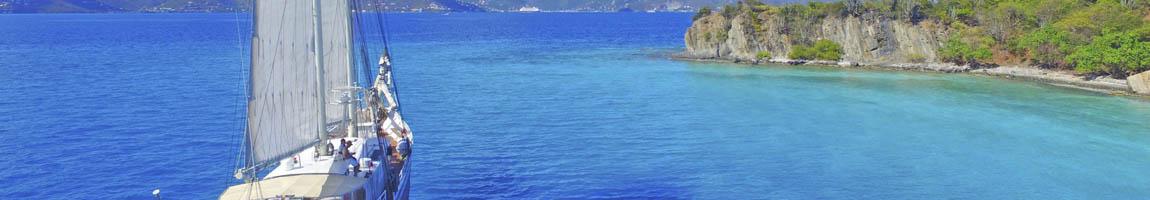 Segelrevier KAribik Bild zeigt Tropenkulisse