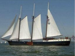 Segeltouren auf der Mare Fan Fryslan zeigt das Segelschiff