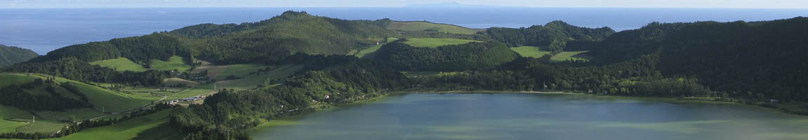 Seereisen Azoren Bild zeigt die Küste der Inselgruppe