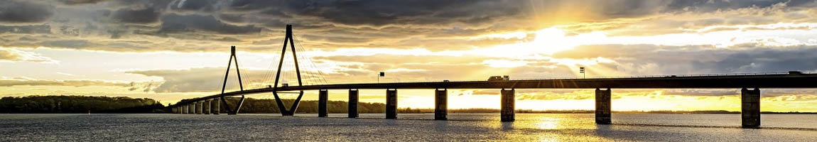 Segeltörn Dänemark Bild zeigt die Oeresundbrücke