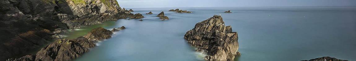 Segeltörn England Bild zeigt typisch englische Felsenküste