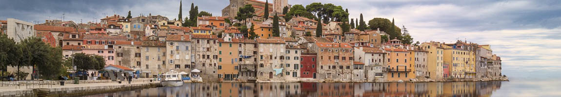 Seereisen Kroatien Bild zeigt Silhoute einer Hafenszenerie