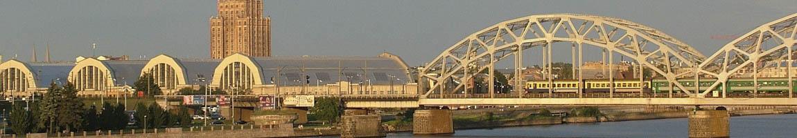 Segeltörn Lettland BIld zeigt eine Brücke im Sonnenuntergang