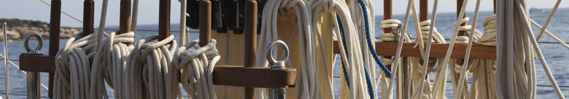 Segeltörn Portugal Bild zeigt Tampen auf einem Segelschiff