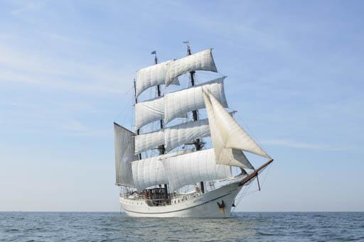 Meilentoerns ARTEMIS zeigt das Segelschiff