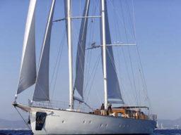 Segelreisen Kroatienzeigt die Segelyacht Kairos