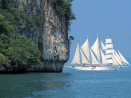 Segelkreuzfahrt Andamanen See zeigt die Star Clipper unter Segeln