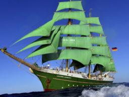 Segeltouren Mittelmeer zeigt die Alex 2