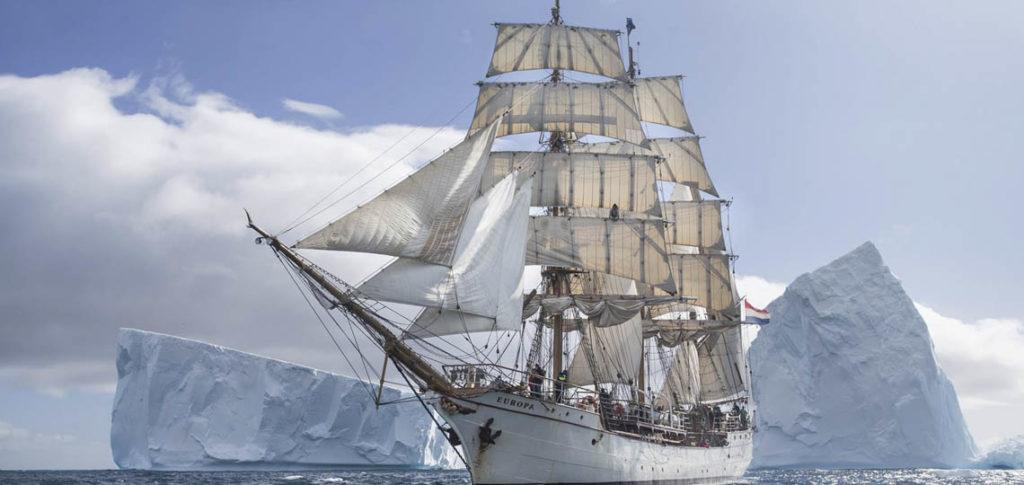 Bark Europa Bild zeigt das Schiff unter Segeln