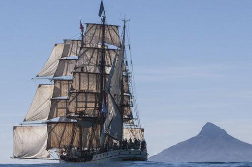 Meilentoerns Chile Bark Europa zeigt das Schiff unter Segeln