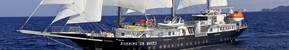 Windjammer Kreuzfahrten zeigt Running on Waves