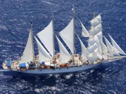 Atlantikuberquerungen Star Flyer zeigt das stolze Schiff