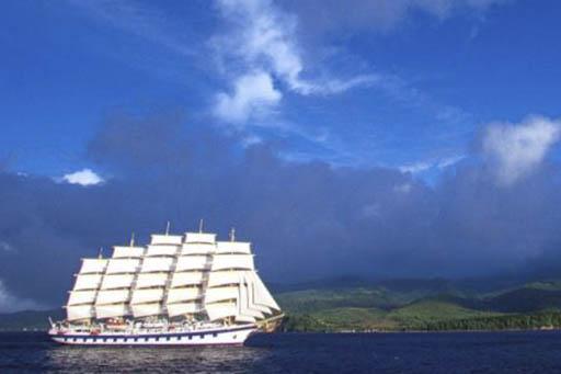 Segelkreuzfahrten Karibik Royal Clipper zeigt das Schiff