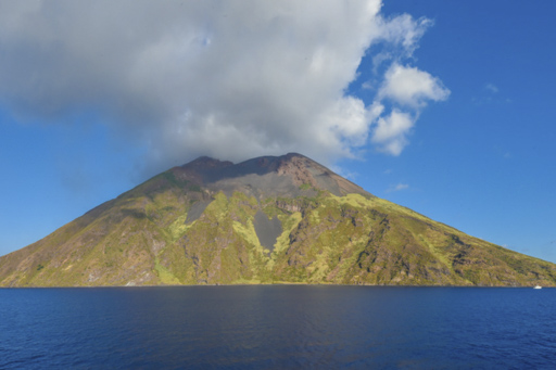Inseljuwele im Mittelmeer Kreuzfahrt zeigt Stromboli
