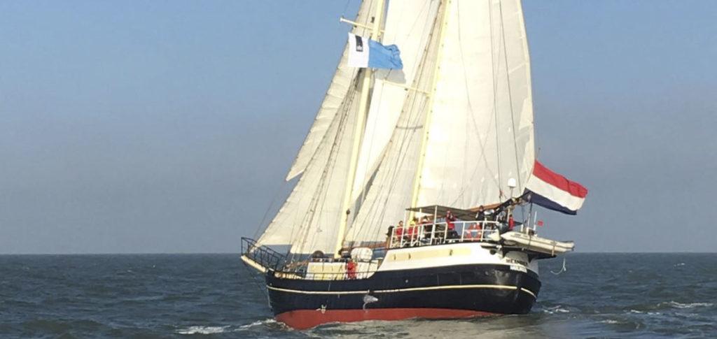 Segelschiff Meander-2