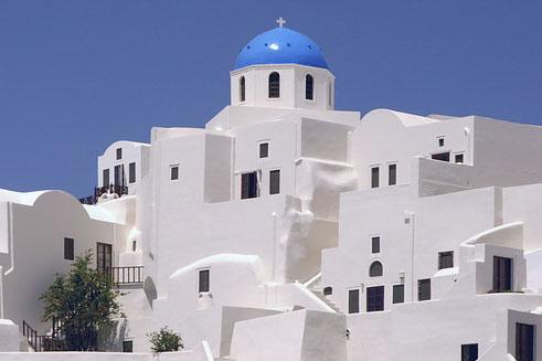Segelreisen Griechenland zeigt typische weisse Häuser