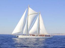 Segeltörns Mittelmeer zeigt Riss der Chronos