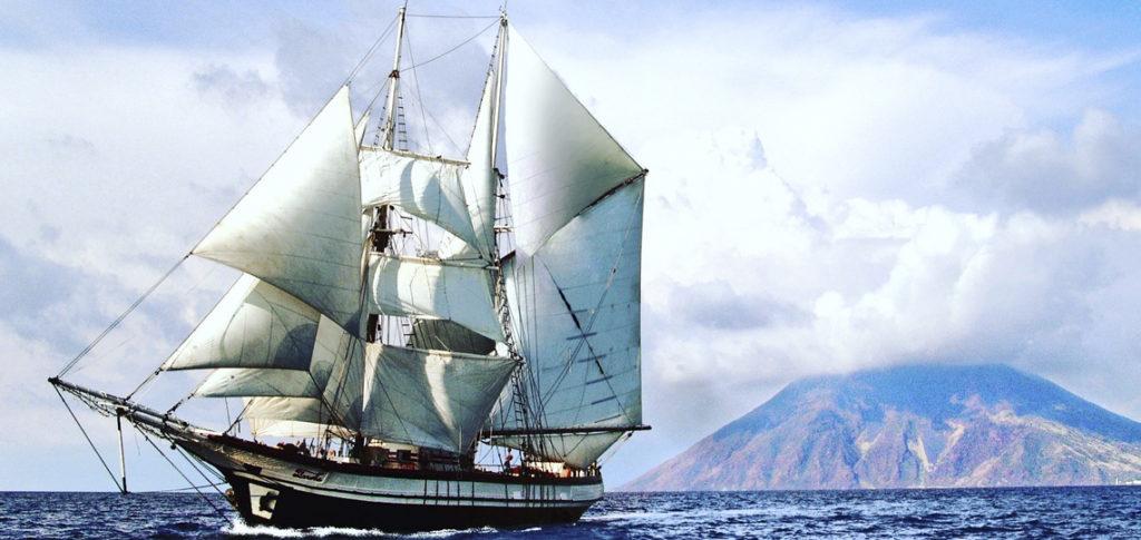 Brigantine Florette unter vollen Segeln