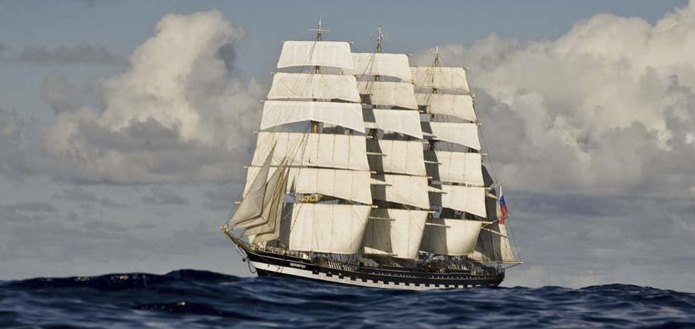 Schulschiff Kruzenshtern unter vollen Segeln