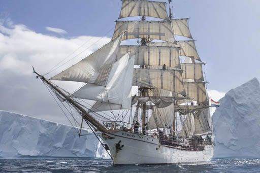 Antarktis segeln Bild zeigt die Bark Europa