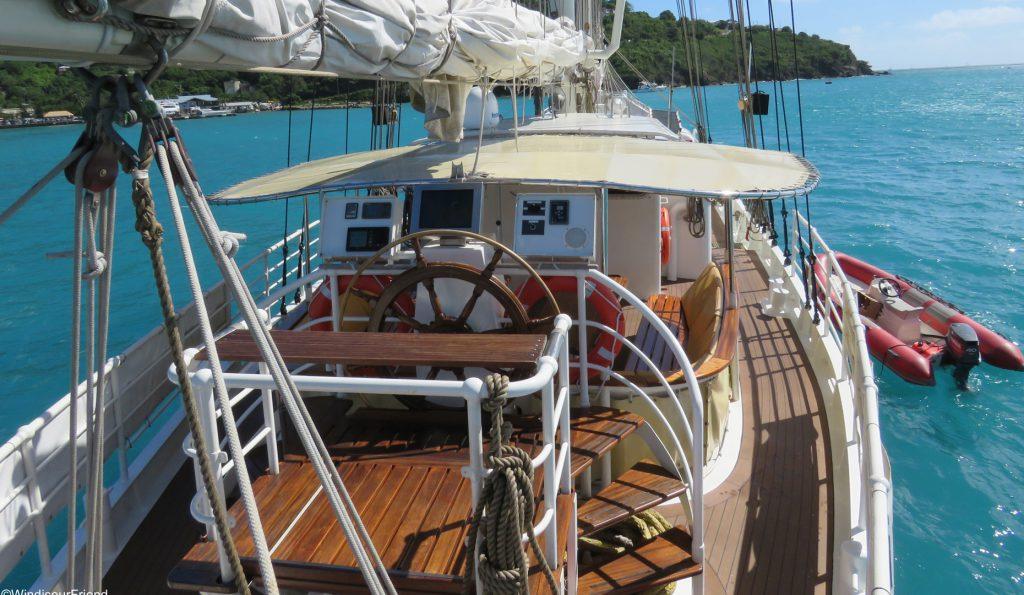 2 Mast Gaffelschoner Eldorado, an Deck