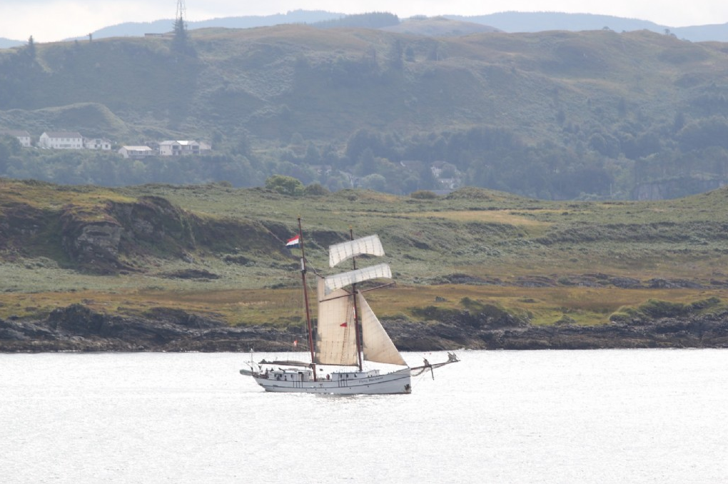 Segelurlaub Europa: Flying Dutchman Produktbild zeigt 2 Mast Schoner
