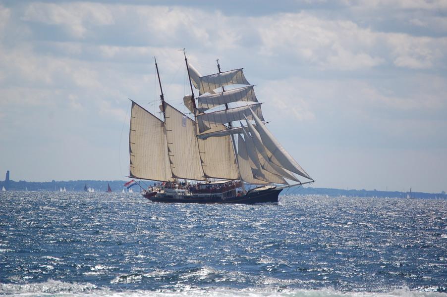 3 Mast Topsegelschoner Gulden Leeuw Steuerbord unter Segeln