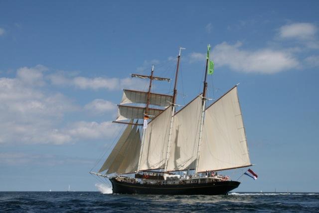 3 Mast Topsegelschoner Gulden Leeuw segelnd