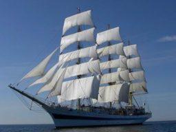 3 Mast Vollschiff MIR, unter Segeln