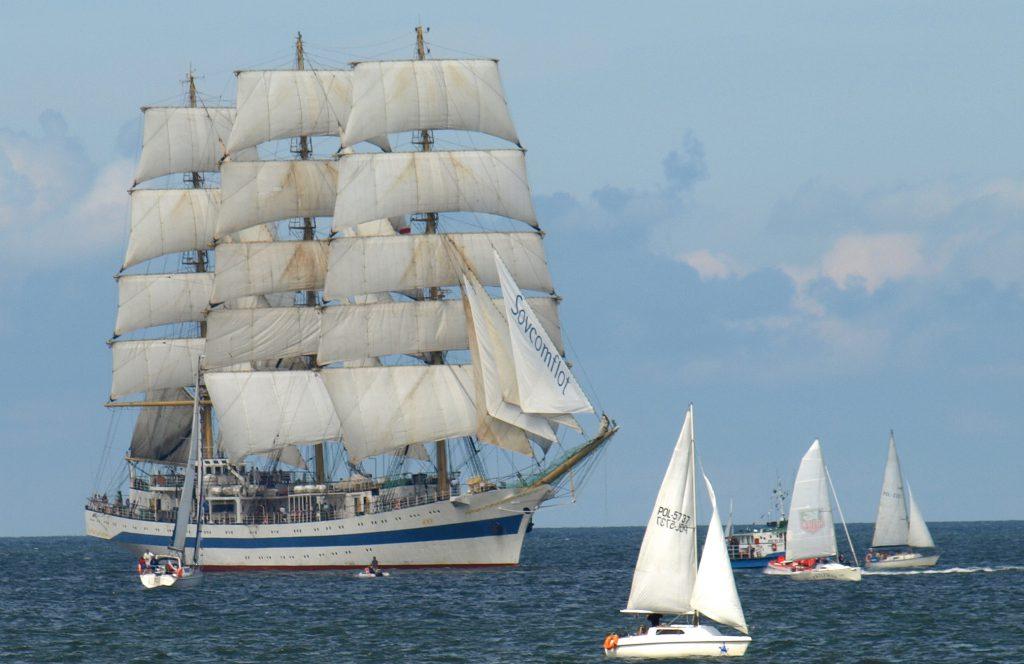 3 Mast Vollschif Mir, segelnd