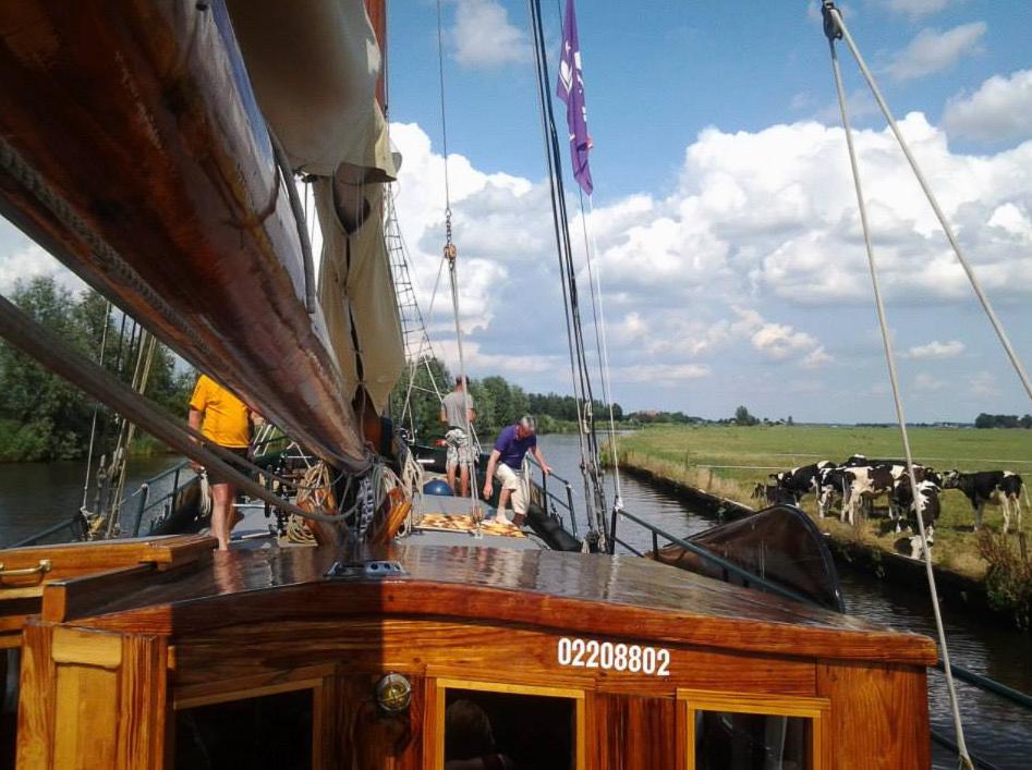 2 Mast Klipper Pelikaan an Deck