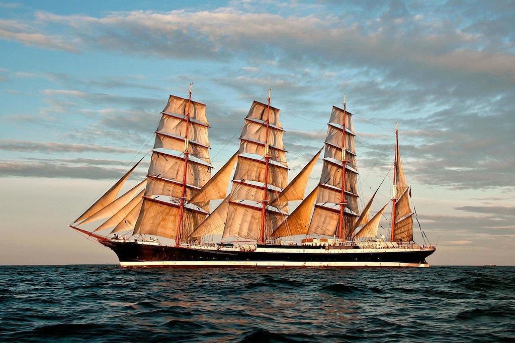 4 Mast Bark Sedov, segelnd