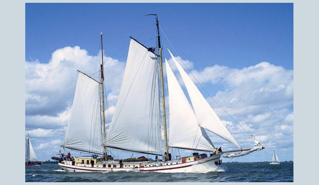 2 Mast Klipper SUCCES, unter Segeln