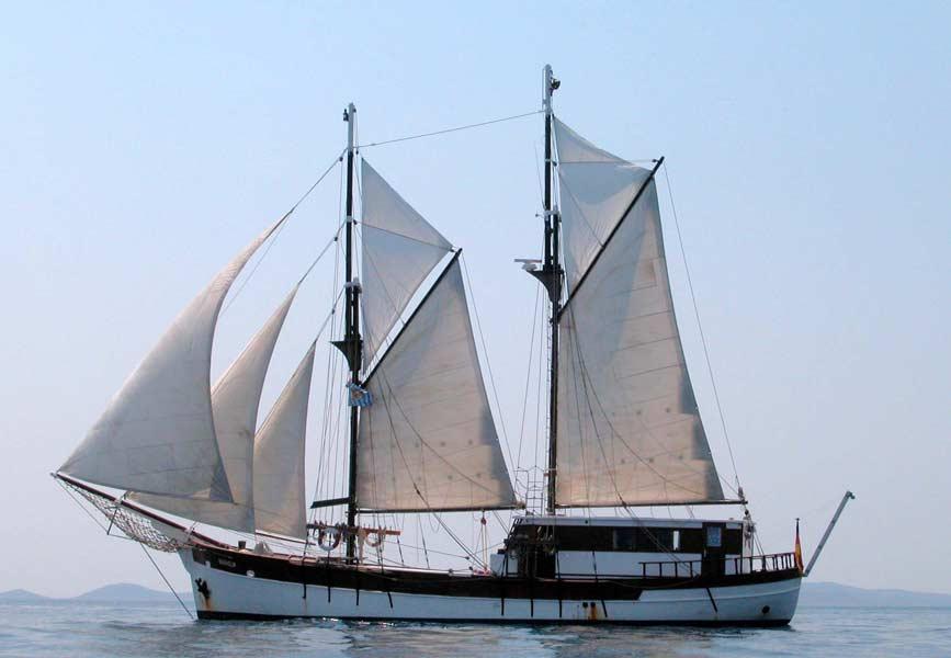 2 Mast Gaffelschoner Basholm Backbord