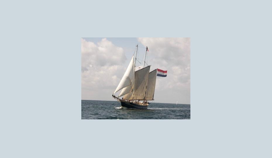 2 Mast Topsegelschoner Catherina segelnd