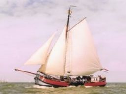 Tjalk Dankbaarheid segelnd