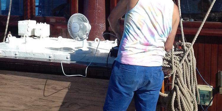 """Wenn Flaute Ist wird auf der """"Atlantis"""" der Ventilator ausgebracht"""